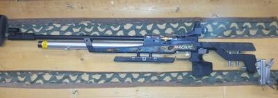 Anschütz 9003 S2 , cal 4,5 mm, paineilmakivääri