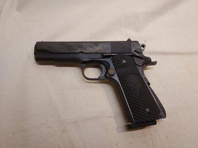 Colt MK 4 Combat Commander, cal .45, TT=3