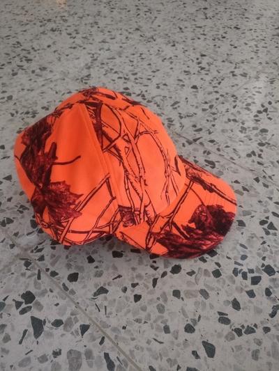Deerhunter malli 6680 lippis korvaläpillä