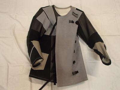 Liikkuvan kilpa-ampujan takki