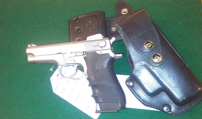 Smith & Wesson, mod. 5906, cal 9 mm, TT=3