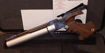 Feinwerkbau P44, cal 4,5 mm , paineilmapistooli
