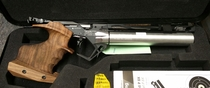 Feinwerkbau P8X, cal 4,5 mm, paineilmapistooli
