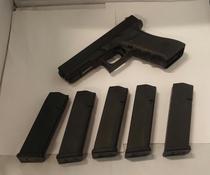 Glock 17, cal 9 mm, TT=3
