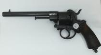 Revolveri piikkinalli