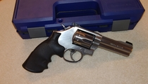 "Smith & Wesson mod. M617-6, cal 22 LR, 4"", rosteri, TT=2"